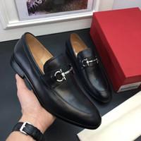 ingrosso abiti da sposa zebra-2019 Scarpe eleganti uomo scarpe eleganti di design in pizzo Scarpe in vera pelle brogue business Pelle nera con filo d'oro meta in vera pelle