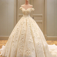 Wholesale lace up sexy wedding dresses online - Amazing Sleeveless Ball Gown Wedding Dresses Lace Appliqued Flowers Off Shoulders Tulle Wedding Dresses with Lace up Back