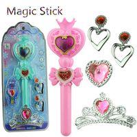 juguetes varita mágica que brilla intensamente al por mayor-Luz intermitente Corazón Vara de la luna Sailor Moon Stick Anime Cosplay Prop Juguetes para niñas Musical Magic Glow Wand VS Bandai juguetes para niños