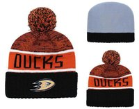 boné preto laranja venda por atacado-Homens Anaheim Ducks Hóquei No Gelo Gorro De Malha Bordado Ajustável Chapéu Bonés Bordados Snapback Preto Branco Laranja Costurado Chapéu De Malha