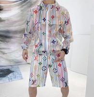 camisa cheia de estilo venda por atacado-19ss popular novo estilo cheio de logotipo monográfico impresso camisa de mangas compridas + calças curtas confortável material de alta qualidade. W14