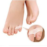 günlük ayak bakımı toptan satış-Günlük Kullanım Için 1 Pair LittleToe Pinkie Başparmak Halluks Valgus Silikon Jel Ayak Bunyon Guard Ayak Bakımı Küçük Toe Toe Ayırıcı
