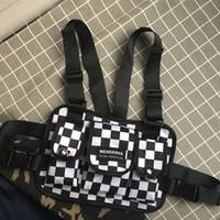 taktische westen für männer großhandel-Mode Schwarz und Weiß Plaid Brusttasche für Männer Kanye West Hip Hop Streetwear Tactical Chest Rig Weste Warten Packs Gürteltasche Functio
