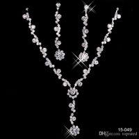 collares de perlas de la boda para las novias al por mayor-Encanto joyería nupcial collar de aleación de diamantes de imitación plateado perlas conjunto de joyas de cristal para la novia de la boda dama de honor envío gratis en 15049