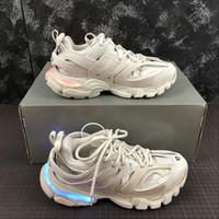 led parçaları toptan satış-2019 Paris Üçlü S Parça 3.0 LED Siyah Beyaz Erkekler kadınlar Koşu Ayakkabıları Platformu spor Sneakers Tess S. Gomma Parça Mens Eğitmenler