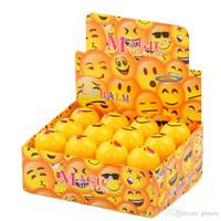 labios amarillos al por mayor-NUEVO Emoji Lip Balm 24 unids para Girl Magic Cute Cartoon Hidratante Hidratante Lipstick para Otoño Invierno Amarillo Bola Bálsamo Labial