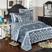 luxo cama king prata venda por atacado-Fundamento luxuoso de prata Blue Gold Lace Jacquard Define cover do Queen King Size Capa Silk Cotton folha de cama conjunto edredon Fronhas