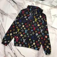 nylon frühjahr jacken großhandel-Außenhandel Frauen Jacken klassischen Frühlingssport Marke Designer Jacken Mantel Details perfekte Arbeit elastische weiche Outdoor-Reise Hoodie