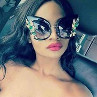 gato mariposa de cristal al por mayor-RFOLVE Oversized Butterfly Sunglasses Green Diamond Crystal Cat Eye mujeres chicas Diseñador Moda Mujer Rades R8517