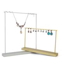 mücevher vitrini standı toptan satış-Butik Takı Küpe Ekran Prop Standı Metal Lüks Masa Üstü Raf Damızlık Bırak Hoop Küpe Kolye Tutucu Mücevherat Görüntüler