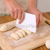 поставщики продуктов питания оптовых-Скребок 13.5x9.5CM Гибкая пищевая безопасная пластиковая трапециевидная скребок для приготовления пищи на кухне Профессиональный поставщик Оптовая торговля C8242