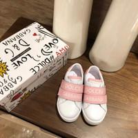 rosa leder baby schuhe großhandel-Rosa Schuhe für Baby Mädchen Kleid Brief drucken Kinder Lederschuhe athletische Turnschuhe Eu 26-35 senden mit Box Mädchen Designer Schuh