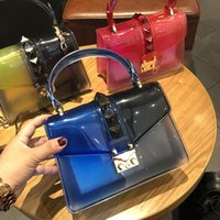 цветные заклепки с сумочкой оптовых-Женские сумки с цветными конфетами и заклепками из пвх