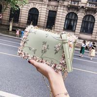 süßigkeit taschen korea großhandel-Designer-Tasche Candy Umhängetaschen Damen Messenger Mädchen Korea Fashion All Match Cute Floral Beads Handtasche Pearl Thread Handmade - W7072