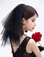 cheveux noirs de mariage achat en gros de-2019 Court visage de mariage mini tulle noir voile voile avec un peigne vintage Cut Edge casque Voyage cosplay halloween voiles cheveux accessoires