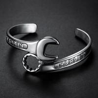 ferramentas de jóias de metal venda por atacado-Moda tom de prata Metais Ferramentas Chave Bangle aço inoxidável motociclista harley Pulseira Único Designer Banda Jóias