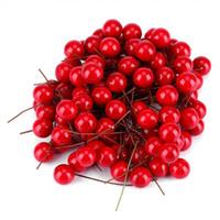 rote satin stuhl abdeckung schärpen großhandel-100 stücke Künstliche Red Holly Berry weihnachtsbaum DIY Hausgarten Dekorationen Weihnachten Liefert zubehör