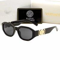 gafas de sol de diseño espejo italia al por mayor-Nuevo 2019 Italia diseñador de la marca 4361 gafas de sol mujeres hombres estilo de moda gafas al aire libre compras gafas gafas gafas de espejo