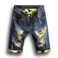 tasarımcı erkekler kısa pantolon toptan satış-Moda Erkekler Denim Jeans İnce Düz Pantolon Eğilim Erkek Tasarımcı Pantolon Yeni Yaz Erkek Delik Kot Şort