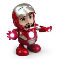 brinquedos quentes homem de ferro venda por atacado-Os Vingadores dança homem de ferro brinquedo luz elétrica música robô Modelo móvel boneca criativo anti desgaste venda quente 30zh I1