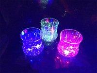 ingrosso ha condotto le luci tubolari piatte-Originalità Illuminazione colorata Bicchiere Energy Conservation Induzione LED Tazza di ananas Tuba Plastica non tossica Fondo piatto Bicchiere da vino 3 9gfI1