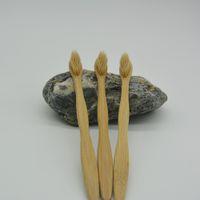 cepillos de nylon blanco al por mayor-Mejor venta desechable Cepillos de dientes de bambú de la manija del cepillo de dientes de nylon suave cerdas del cepillo de Home Hotel ST078 negro blanco