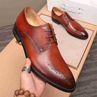 kahverengi i̇talyan elbise ayakkabıları toptan satış-İtalyan Tasarımcı Siyah Kahverengi Brogue Ayakkabı Gerçek Deri Lace Up Erkekler Örgün Elbise Oxfords Parti Ofisi Düğün Sneakers