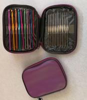 botones de madera en forma de corazón al por mayor-Mango de aluminio Crochet Hooks ergonómico que hace punto de punto Agujas de la armadura del hilado 22 piezas / juego con la bolsa de cuero de la PU la pulsera de DIY bufanda suéter Kits