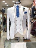 tuxedo prüft männer großhandel-Mode Männer Anzug Weiß Karo Design Anzüge 3 Stück 2 Tasten Bräutigam Hochzeit Formale Smoking Plaid Business Men Wear