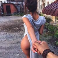 blusas longas para trás venda por atacado-Sexy Longa Blusa Dividir Mulheres Camisetas Solto Curto Frente Longo Voltar Moda Tops de Manga Curta Irregular Tees