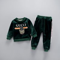 erkek kış kıyafetleri toptan satış-BEBEK BOYS KIZ giysileri + pantolon yüksek kalite sonbahar ve kış suit kalınlaşma yaşında bebek altın oyma kaşmir bebek Çocuk giyim