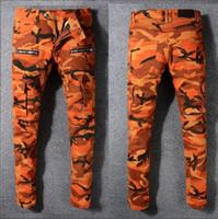 camouflage hosen männer schlank großhandel-Orange Camouflage Männer Slim Fit Skinny Baumwolljeans mit Taschen Street Fashion Baumwolle Jean lange Hosen Slim Jeans Zipper Fly