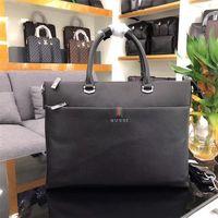 tote büro großhandel-Designer Luxury Männer Aktentasche Hohe Qualität Designer Business Style Tasche Echtes Leder Messenger Bag Büro Umhängetasche
