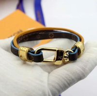 armbänder stil männer großhandel-Mode Louis 3 Arten hochwertige Leder Marke Armbänder für Männer Frau Designer Armband Leder Muster Schmuck mit Box