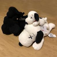 çocuklar için en iyi oyuncaklar toptan satış-Yeni 45 cm kaws Snoopy Sürpriz Bull köpek Peluş oyuncaklar Doldurulmuş Hayvanlar Husky Anahtarlık Peluş Sırt Çantası Aksesuarla ...
