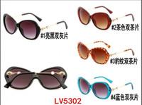 ingrosso scatole in rilievo-Divertenti occhiali da sole uv per occhiali da sole in metallo con gambe in vetro per donna 2019 new US5302