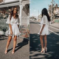 chic dress knielänge großhandel-Spitze Party Kleider Vintage Knielangen Chic Beliebte Abendkleider Frauen Capped Short Maß Real Image Modest Party Kleid
