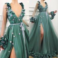 yeşil çiçek gece elbisesi toptan satış-Güzel Boho Hunter Yeşil 2019 Gelinlik Modelleri Seksi 3D Ile Derin V Boyun Uzun Kollu Uyluk Yüksek Yarıklar Çiçek Çiçekler Akşam Giyer