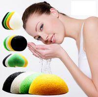 esponja de lavagem facial venda por atacado-Konjac Esponja Facial Rosto Cleanse Lavar Sponge Cotton Bamboo Charcoal Facial Puff Half Round konjac Wet Esponjas GGA2663