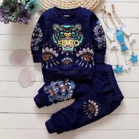 ropa clásica para niños al por mayor-2019 Nuevo diseñador de lujo clásico bebé camiseta chaqueta pantalones de dos piezas 1-4 años olde Suit Kids moda infantil 2pcs algodón conjuntos