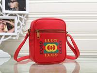 sacs à bandoulière pour hommes achat en gros de-Sac à bandoulière de luxe pour femmes Mens Designer sacs à main nouvelle marque de mode Cross Body Bag avec lettre imprimée vente chaude