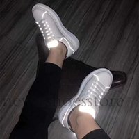 nefes alabilen erkek kıyafeti rahat toptan satış-2019 Yeni Bayan Bayan Rahat Ayakkabılar Yaz Nefes Sneaker Aydınlatmak Deri Paris Beyaz Ayakkabı Yürüyüş Parti Elbise Sneakers Düz Ayakkabı