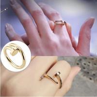 bandes d'or pour femmes achat en gros de-Anneaux en acier inoxydable Gold Nail avec diamants Top Quality argent amoureux de l'or rose Band Bagues pour femmes et hommes Couple anneaux beaux bijoux