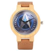 наручные часы коричневый кожаный ремешок оптовых-Дешевые Оптовые Деревянные Часы Star Trek Кварцевые Наручные Часы Бамбуковый Корпус Коричневый Натуральная Кожа Ремешок Модные Мужчины