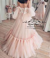 ingrosso gonne lunghe rosa-Moda Rosa Off spalla Prom Dresses 2020 A Line Puff maniche lunghe in pizzo Appliques Arabo Design Ruffles Tulle Skirt abiti da sera formale