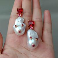 ingrosso orecchini in perle di barocco-Orecchini con strass Bianco coltivate Baroque Pearl Rosso Cz delle donne
