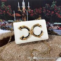 bolsos decorados al por mayor-Bolso de señora europea y americana de alta calidad con letras de oro y cobre decoradas con bolso de piel para mujer