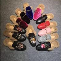 nuevas zapatillas para el invierno al por mayor-Zapatilla de cuero a estrenar de Princetown para mujer con terciopelo de gamuza de piel Invierno Zapatilla