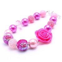 kinder halskette große perlen großhandel-Big Rose Flower Kid Klumpige Halskette Pink Farbe Design Bubblegum Bead Klumpige Halskette Kinderschmuck Für Kleinkind Mädchen