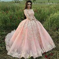 flor pétala vestido de noite venda por atacado-Doce 16 Rosa Quinceanera Vestidos de Baile Vestido de Baile Fora Do Ombro Apliques de Flores de Pétala Vestidos de Noite vestido de 15 anos